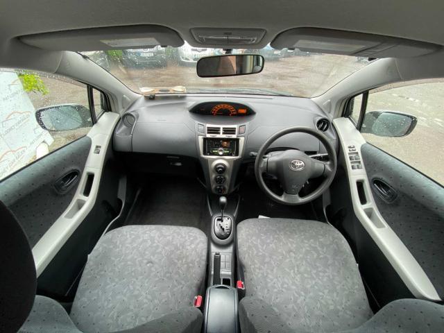 2010 Toyota Vitz - Image 4
