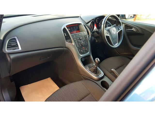 2015 Vauxhall Astra - Image 3