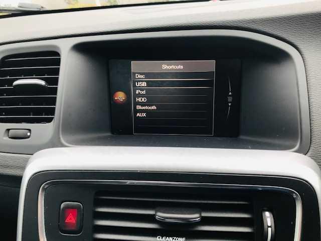 2017 Volvo S60 - Image 7