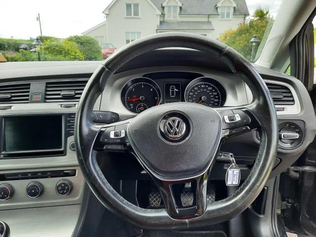 2015 Volkswagen Golf - Image 10