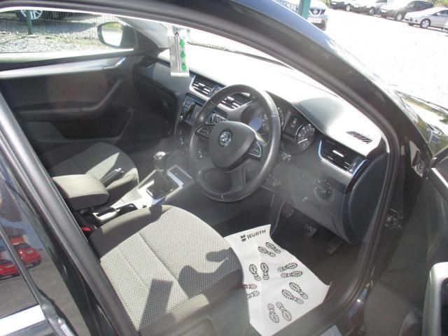 2015 Volkswagen Passat - Image 10
