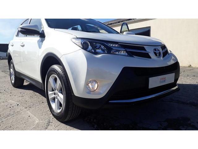 2014 Toyota Rav4 - Image 9