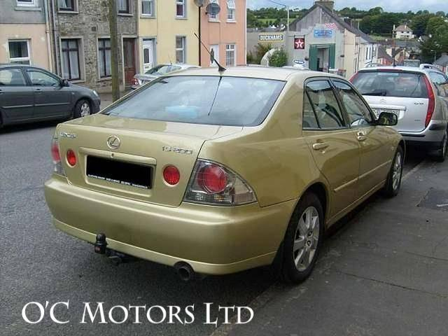 2003 Lexus IS 200 - Image 3