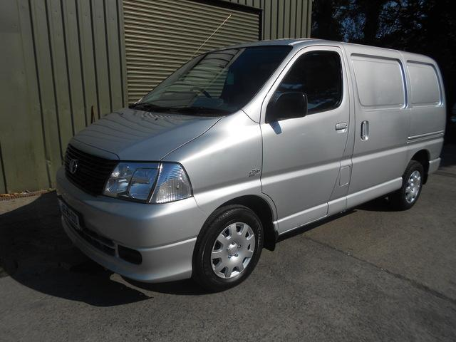 2008 Toyota Hiace 280 SWB D-4D 95, Price: €4,950 2 5 Diesel for