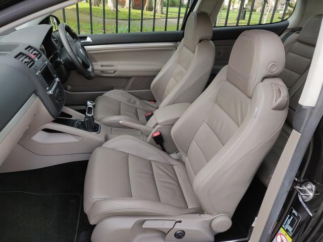 2008 Volkswagen Golf - Image 12