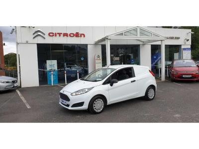 Photos of 2014 Ford FIESTA 1.6L Manual