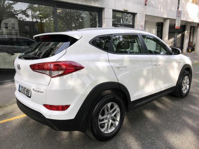 2017 Hyundai Tucson - Image 2