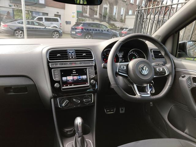 2016 Volkswagen Polo - Image 8