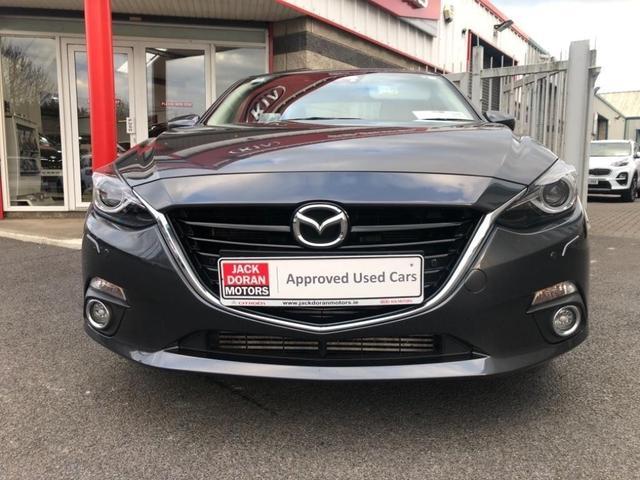 Photos of Mazda Mazda3