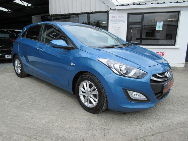 2014 Hyundai i30 blue drive active