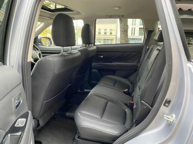 2018 Mitsubishi Outlander - Image 7