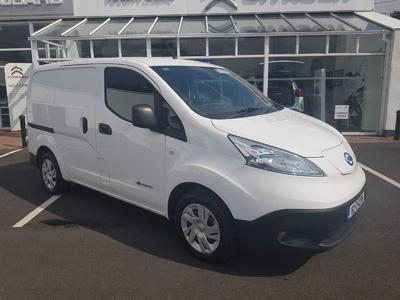 Photos of 2015 Nissan ENV200 ElectricL Automatic
