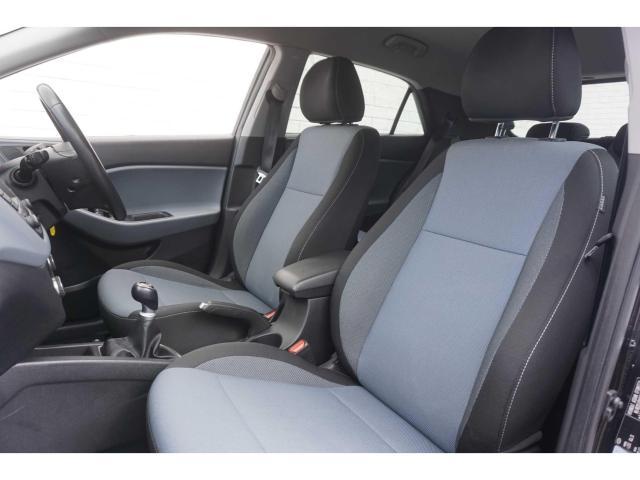 2016 Hyundai i20 1 2 PREMIUM 84BHP MODEL // SERVICE HISTORY
