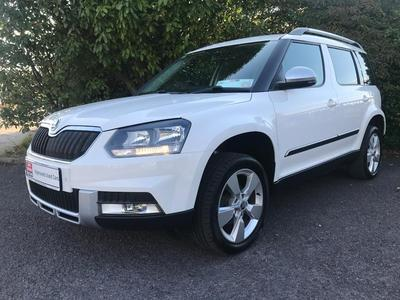 Photos of 2015 Skoda YETI 2.0L Manual