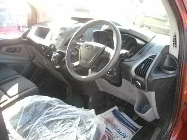 Photos of Ford Transit Custom