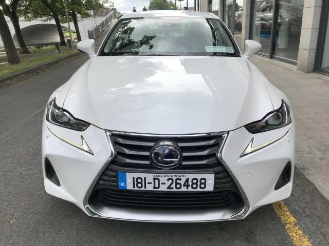 2018 Lexus IS 300h - Image 4
