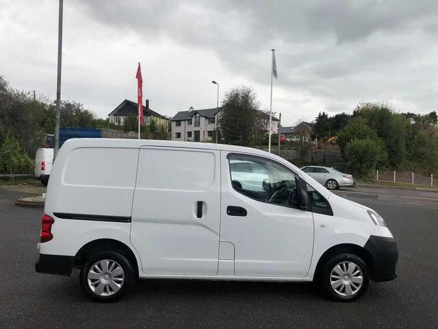 Photos of Nissan Vanette