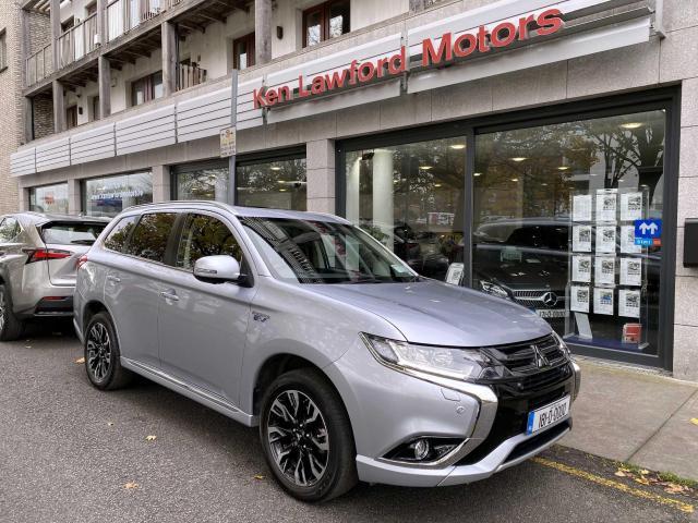 2018 Mitsubishi Outlander - Image 2