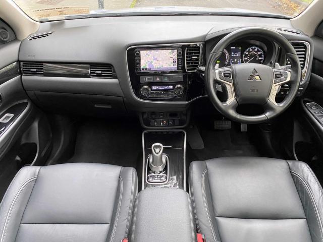 2018 Mitsubishi Outlander - Image 8
