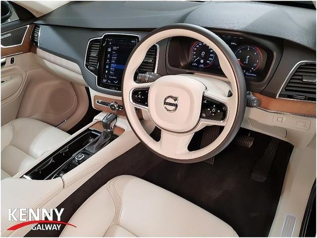 Photos of Volvo XC90