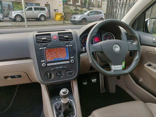 2008 Volkswagen Golf - Image 10