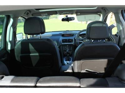 Image 11 for Opel Meriva Wheelchair Accessible