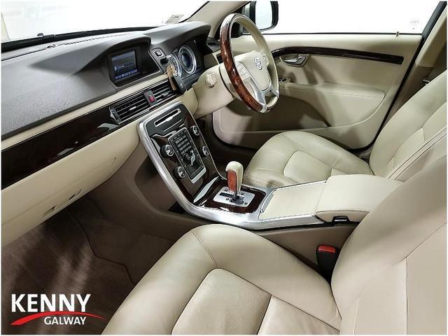 2011 Volvo XC70 2 4 D5 S/S AWD SE 215PS, Price: €14,995 2 4