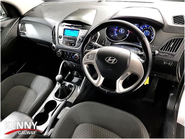 Photos of Hyundai ix35