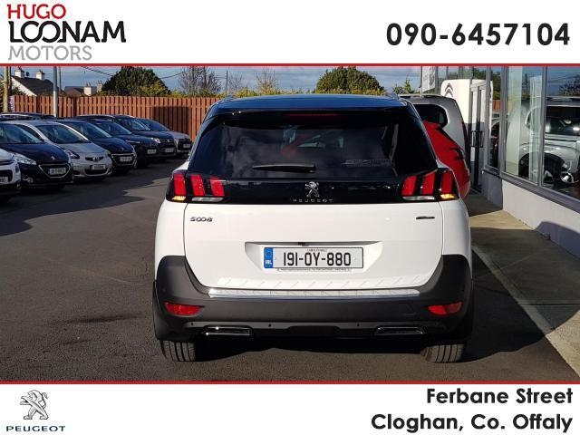 Photos of Peugeot 5008